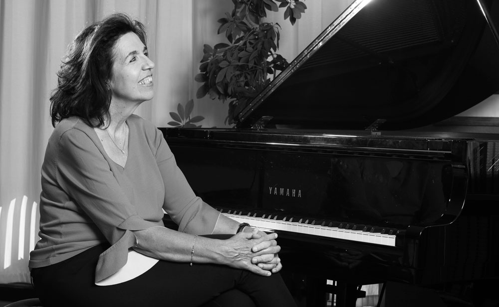 Susi Weiss – Piano Solo & Vocal